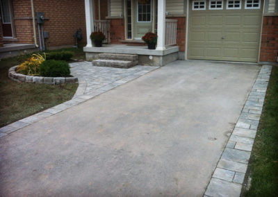 landscape-Oakville stone driveway border and entrace with steps